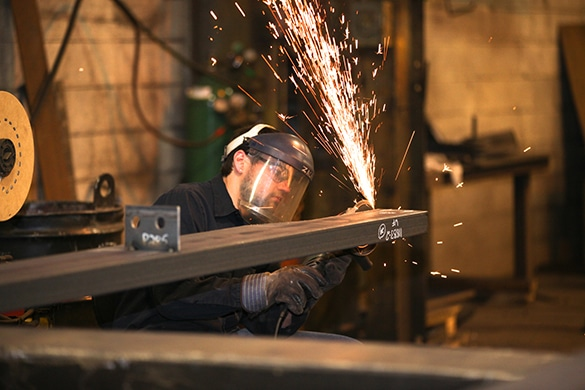 Kinsley Manufacturing - Steel Fabrication