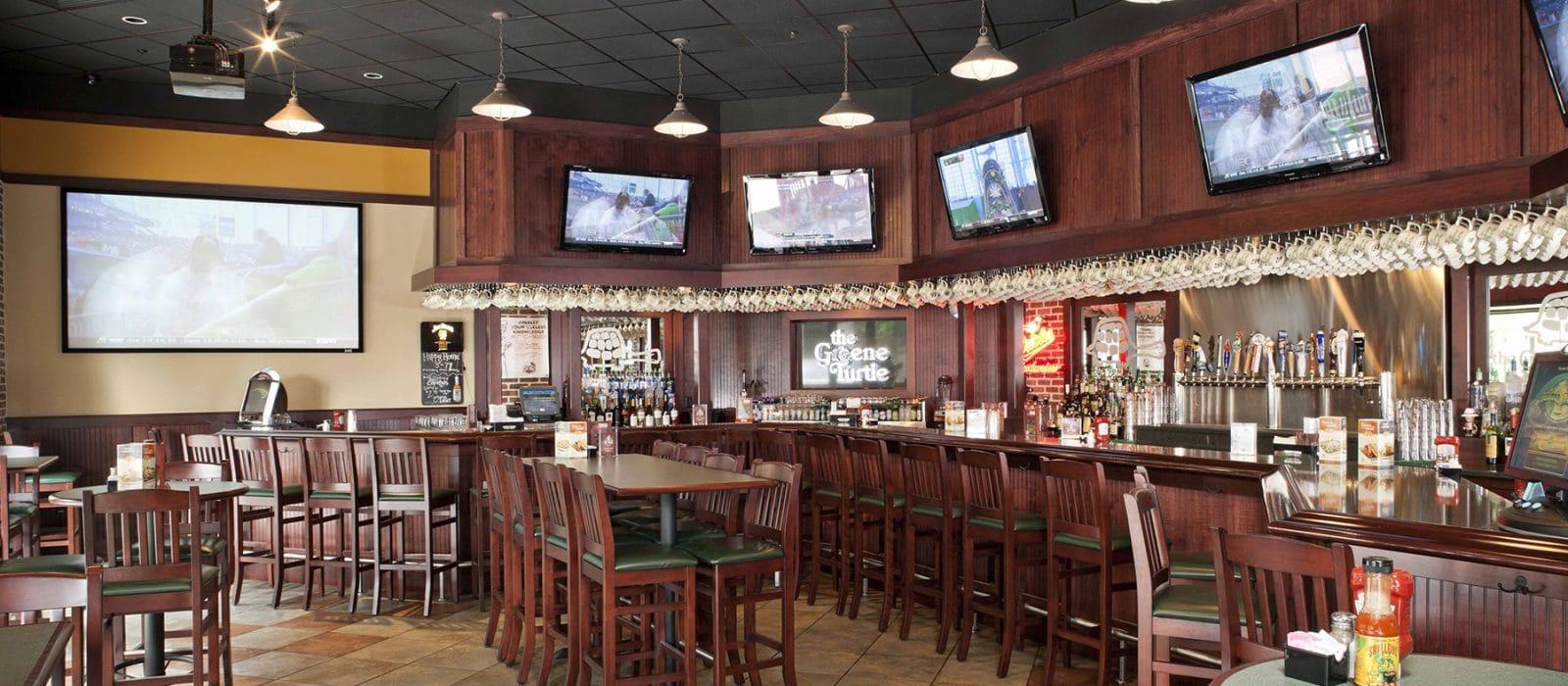 Greene Turtle Sports Bar and Grille Bar